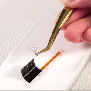 Volume-Eyelash-Extensions-Wholesale-unique-sticky-base-easy-to-fan-lashes-self-fanning-eyelashes-fast-fanning-eyelash-extension.jpg